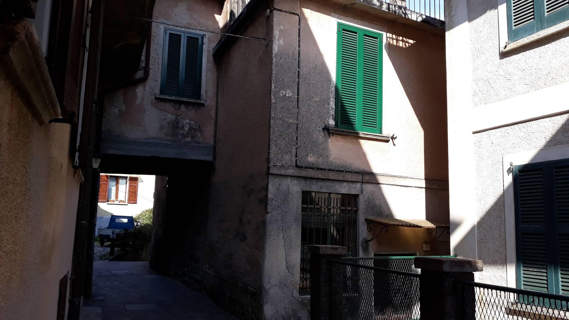 VILLETTA in Vendita a Marzio (VARESE)
