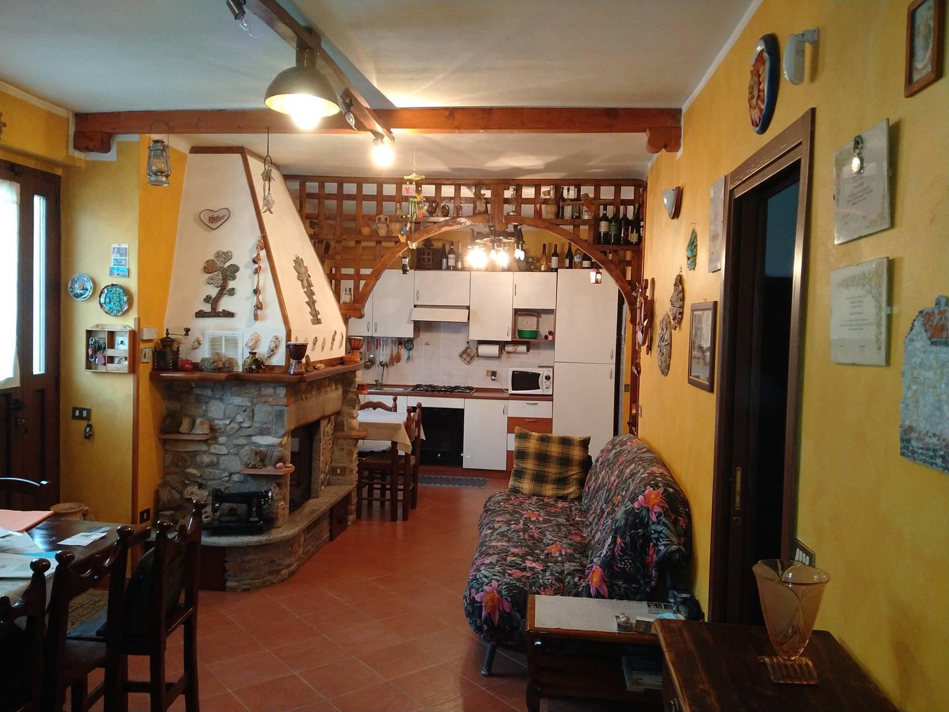 Appartamento in Vendita a Travedona-Monate Cod. 415