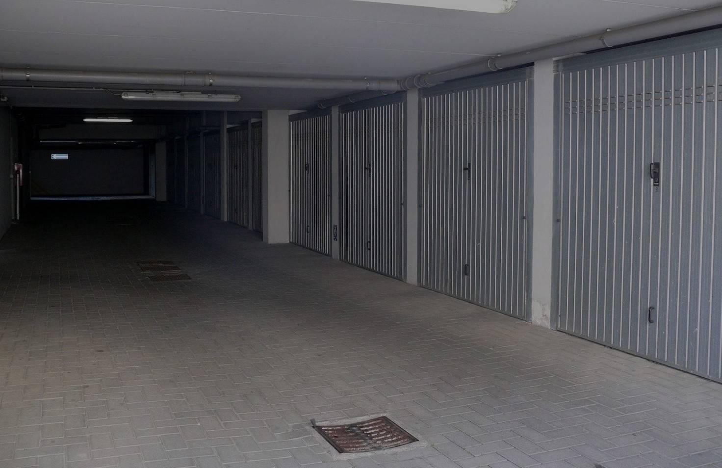 Box / Garage in vendita a Malgesso, 1 locali, prezzo € 15.000 | PortaleAgenzieImmobiliari.it
