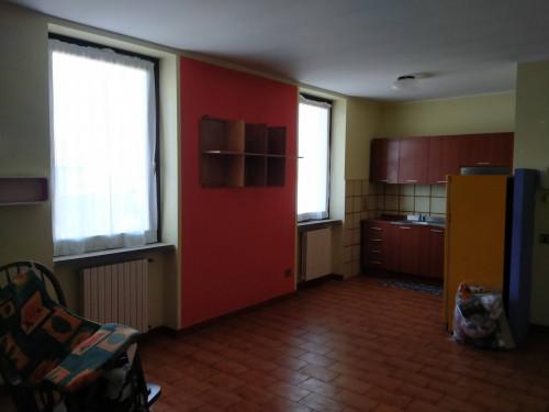 Appartamento in Affitto a Cadrezzate con Osmate