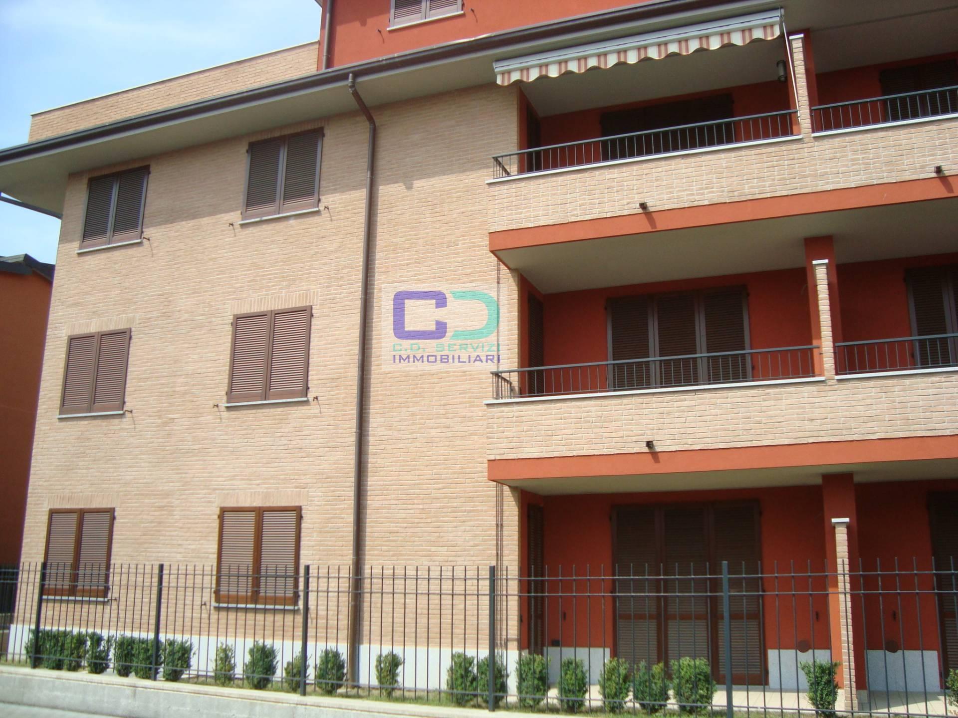 Appartamento in vendita a cassano d 39 adda cod 0030 for Piani di piccola fattoria avvolgono portico