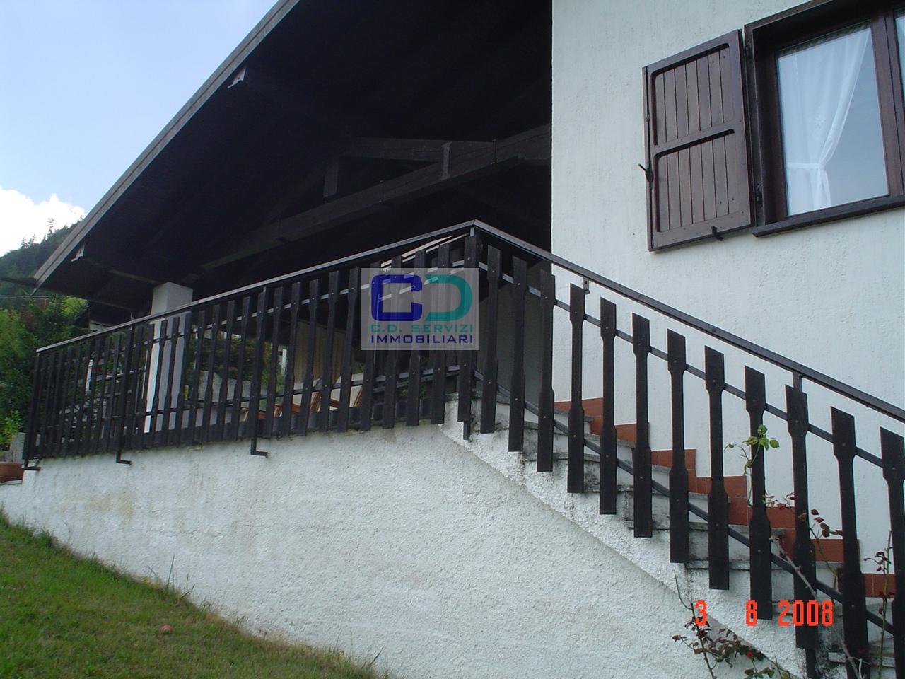 Villa in vendita a Borno, 5 locali, prezzo € 315.000 | CambioCasa.it