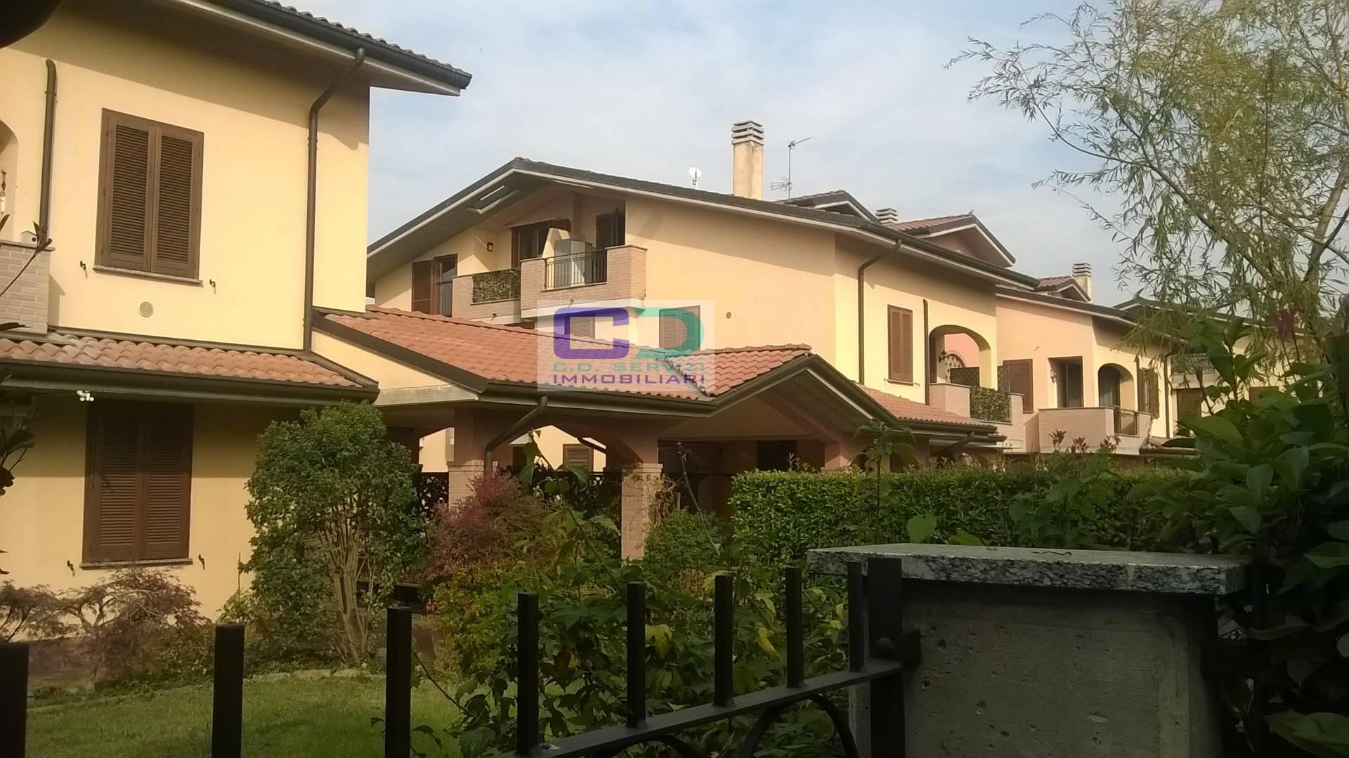 Appartamento in vendita a Truccazzano, 3 locali, zona Zona: Corneliano, prezzo € 135.000 | CambioCasa.it