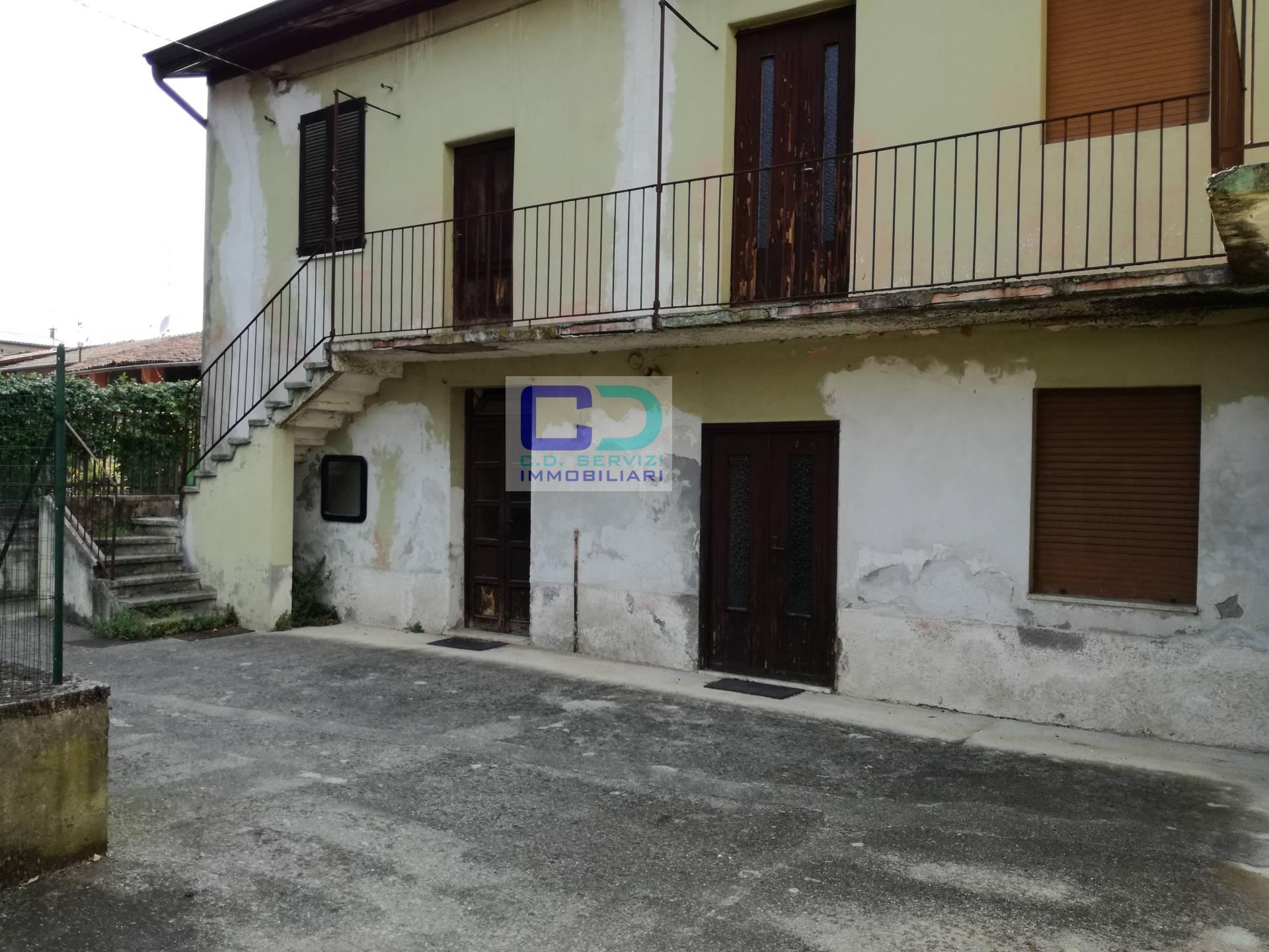 Rustico / Casale in vendita a Ciserano, 8 locali, Trattative riservate | PortaleAgenzieImmobiliari.it