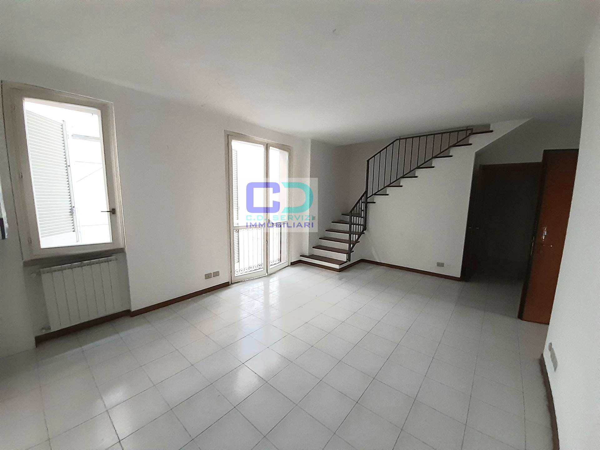 Appartamento in vendita a Cassano d'Adda, 3 locali, prezzo € 109.000 | CambioCasa.it