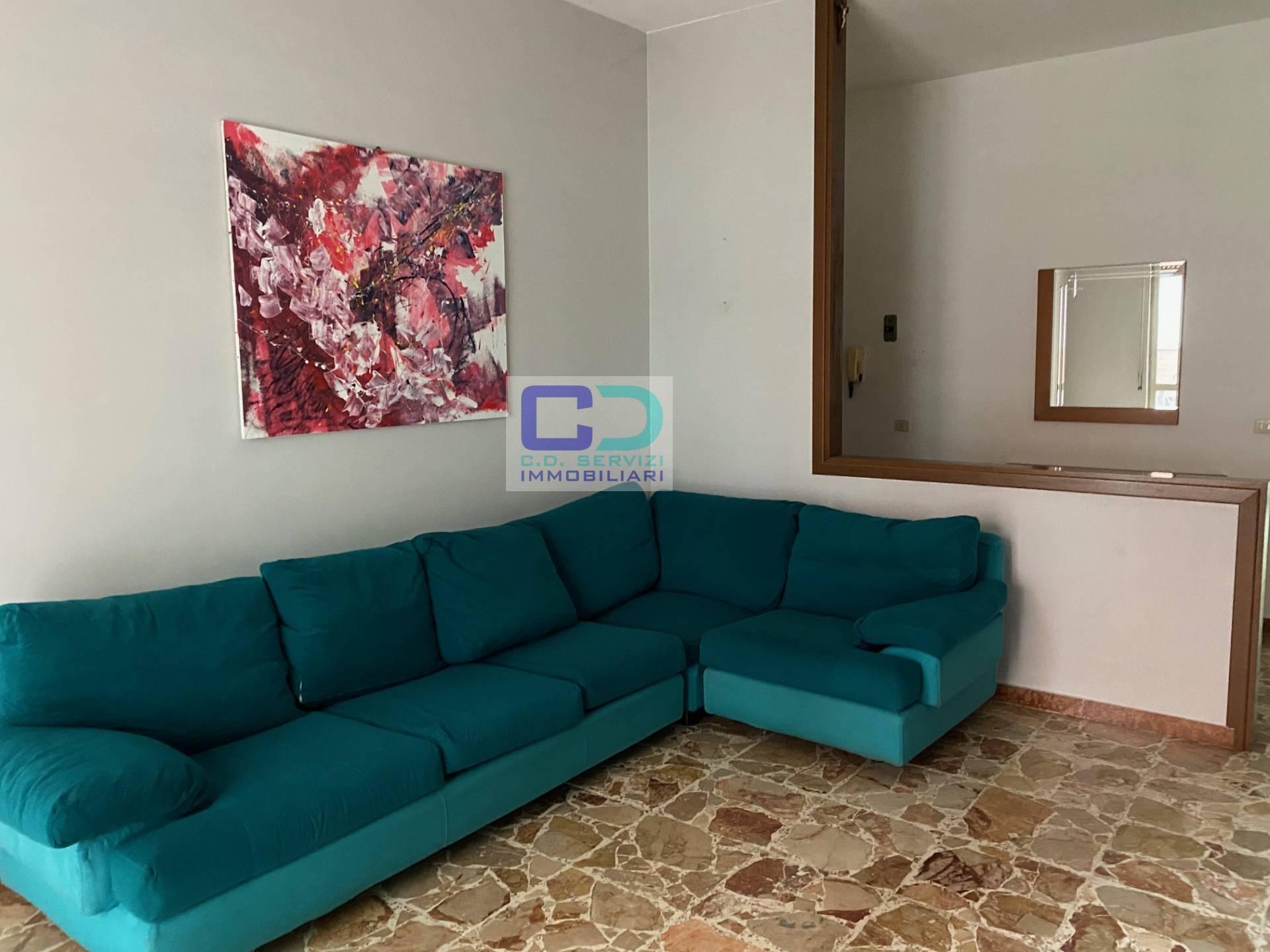 Appartamento in vendita a Cassano d'Adda, 3 locali, prezzo € 90.000 | CambioCasa.it
