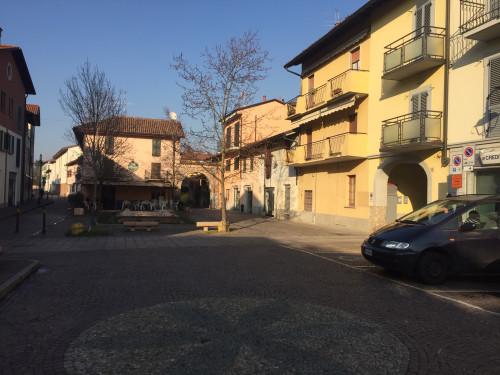 Locale commerciale in Affitto a Cassano d'Adda