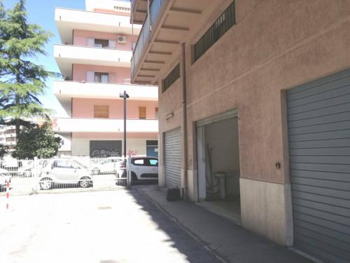 garage in Affitto a Pescara