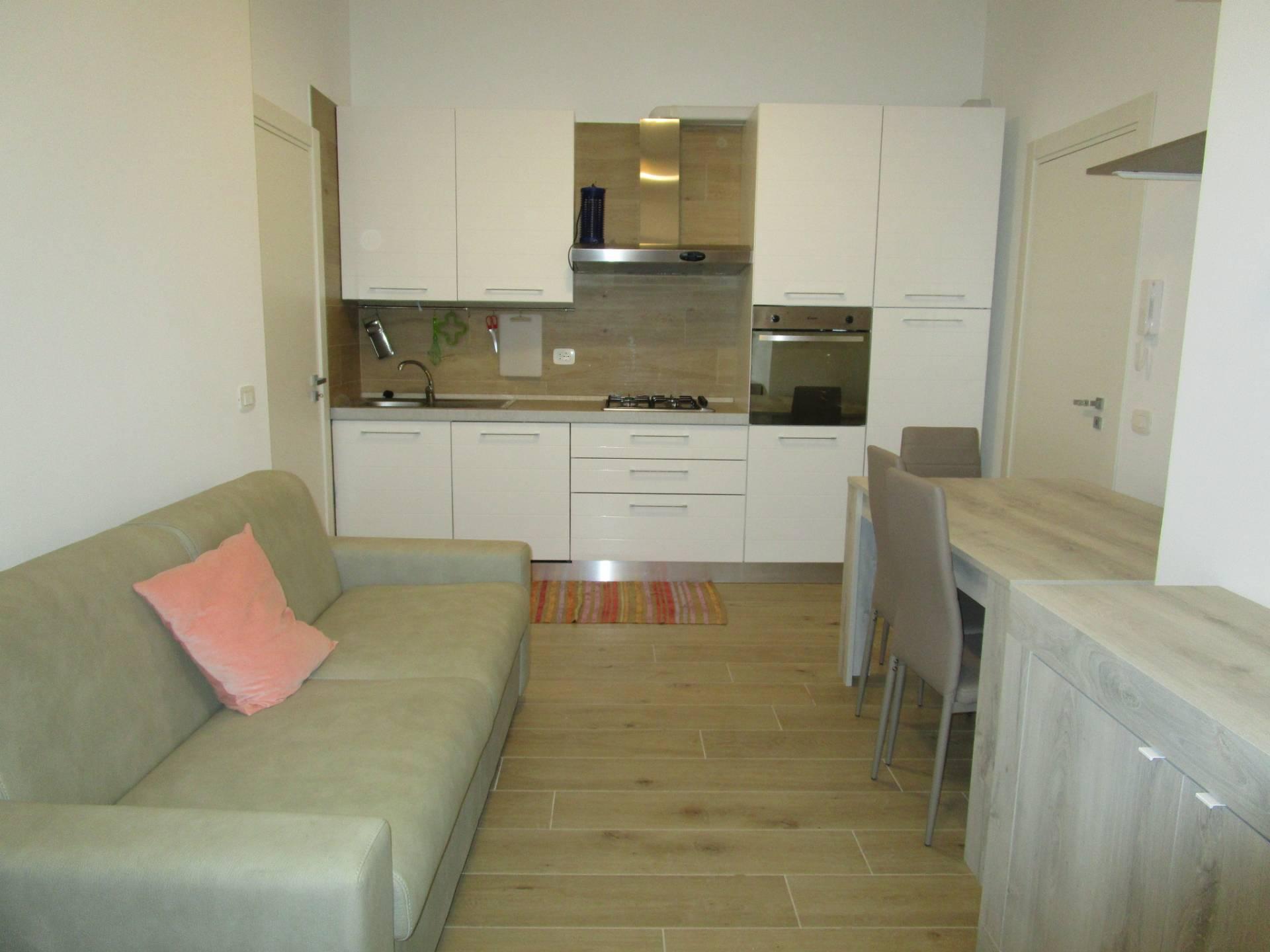 Appartamento in affitto a Giulianova, 2 locali, prezzo € 500 | CambioCasa.it