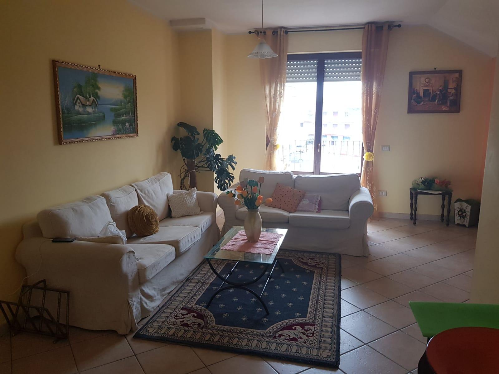 Appartamento in affitto a Sant'Egidio alla Vibrata, 5 locali, zona Zona: Paolantonio, prezzo € 450 | CambioCasa.it