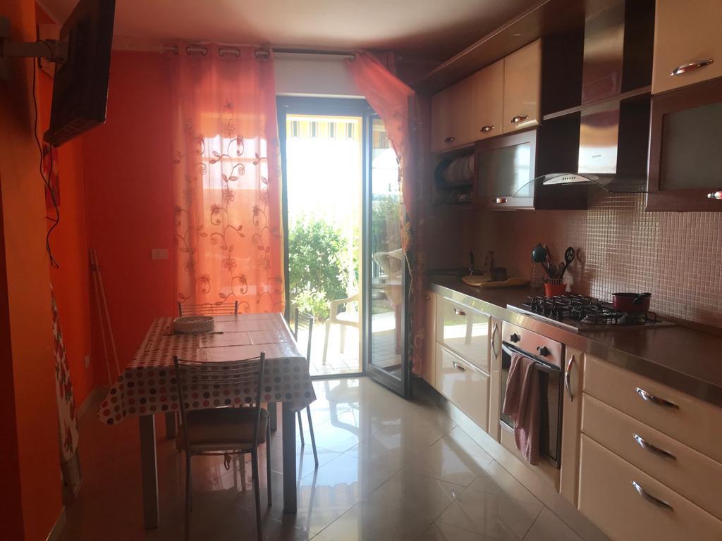 Appartamento in vendita a Martinsicuro, 3 locali, zona Località: VillaRosa, prezzo € 93.000 | PortaleAgenzieImmobiliari.it