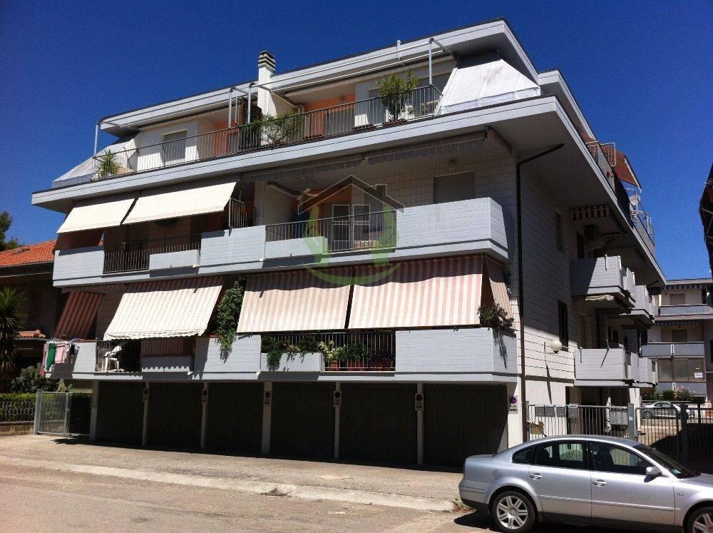 Appartamento in vendita a Martinsicuro, 2 locali, zona Località: ZonaMare, prezzo € 65.000 | PortaleAgenzieImmobiliari.it