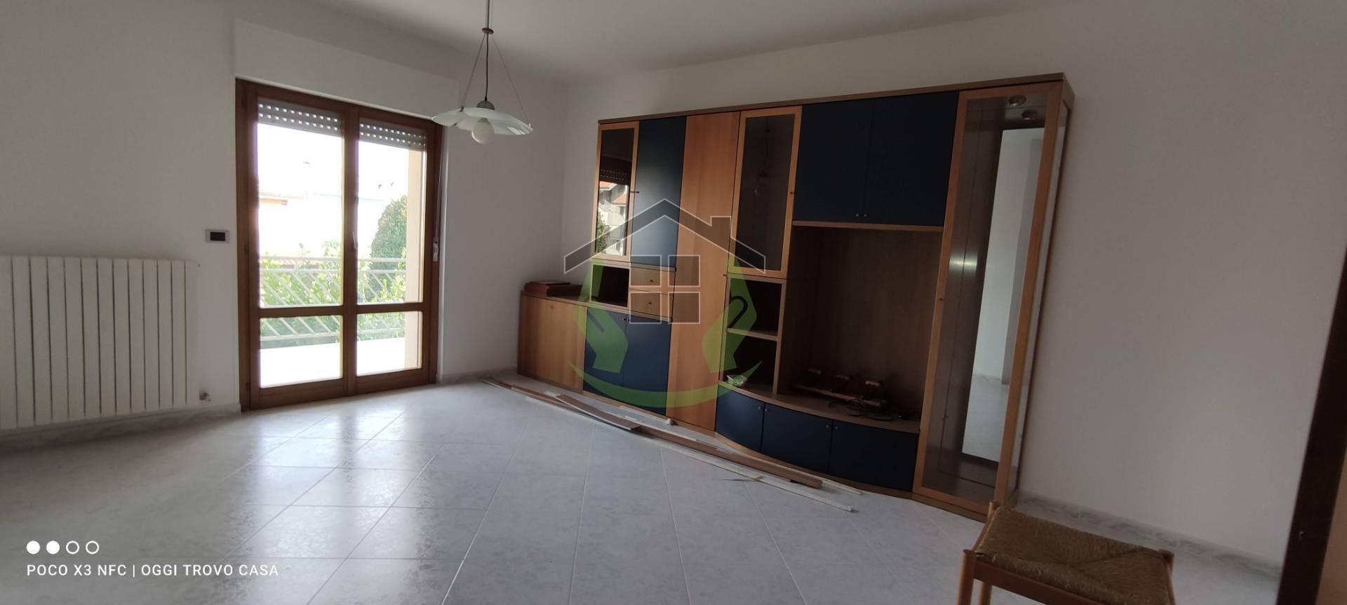 Appartamento in vendita a Castel di Lama, 4 locali, zona toni, prezzo € 115.000   PortaleAgenzieImmobiliari.it