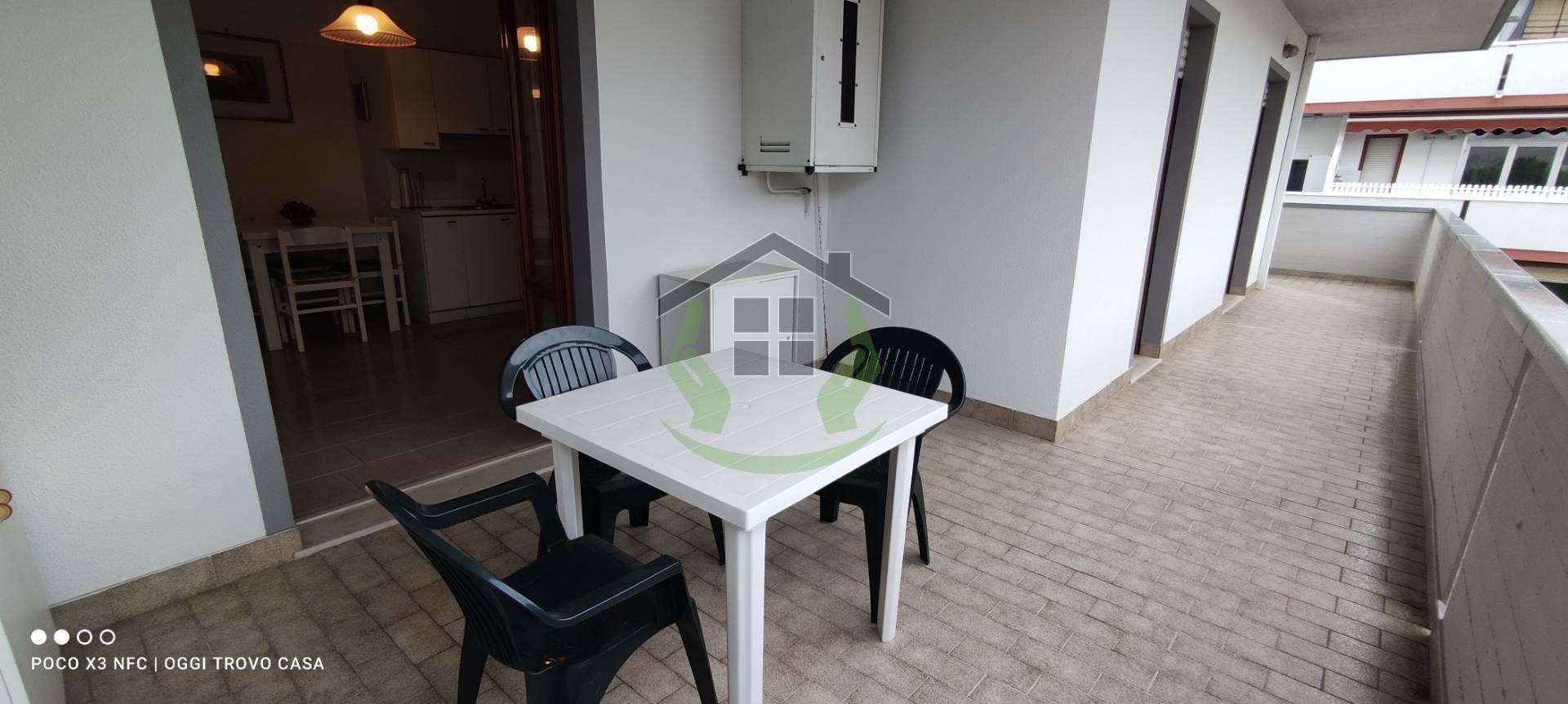 Appartamento in vendita a Martinsicuro, 3 locali, zona Località: VillaRosa, prezzo € 100.000 | PortaleAgenzieImmobiliari.it