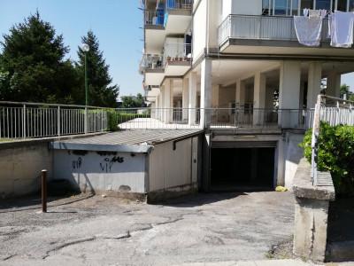 Box o garage in Vendita a Casalnuovo di Napoli