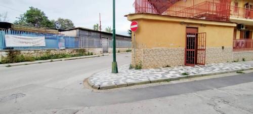 Locale commerciale in Affitto a Casoria