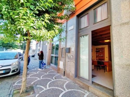 Locale commerciale in Affitto/Vendita a Casoria