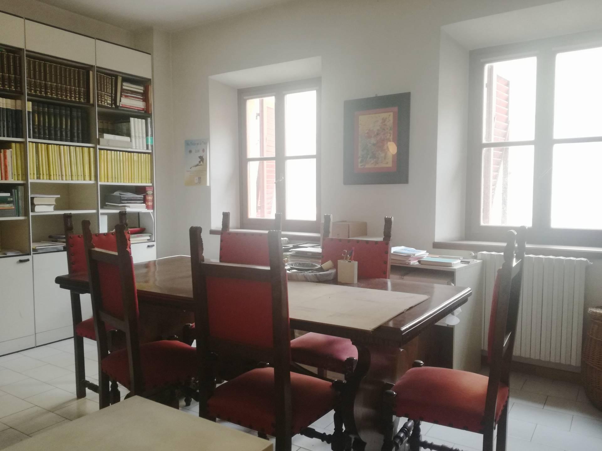 Ufficio / Studio in affitto a Pontedera, 9999 locali, zona Località: Centro, prezzo € 750 | CambioCasa.it
