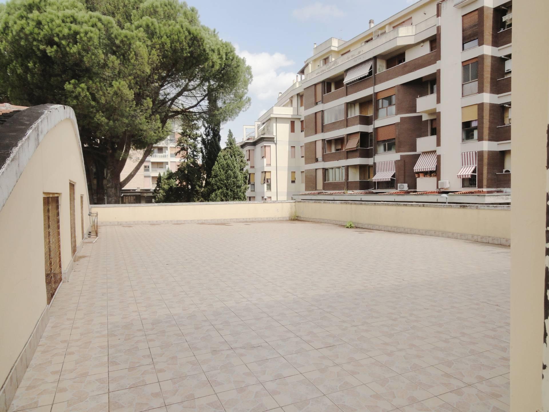 Ufficio / Studio in vendita a Pontedera, 9999 locali, zona Località: Centro, prezzo € 170.000   CambioCasa.it