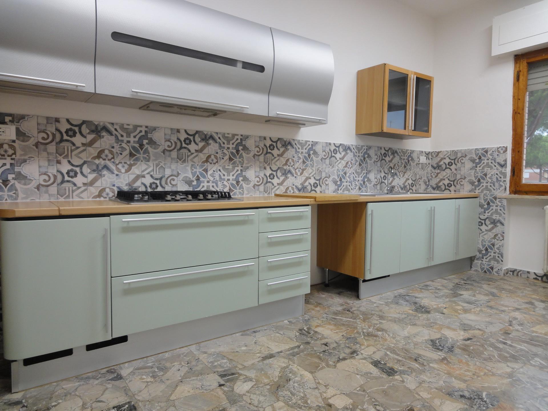 Appartamento in affitto a Pontedera, 6 locali, zona Località: Scolmatore, prezzo € 750 | CambioCasa.it