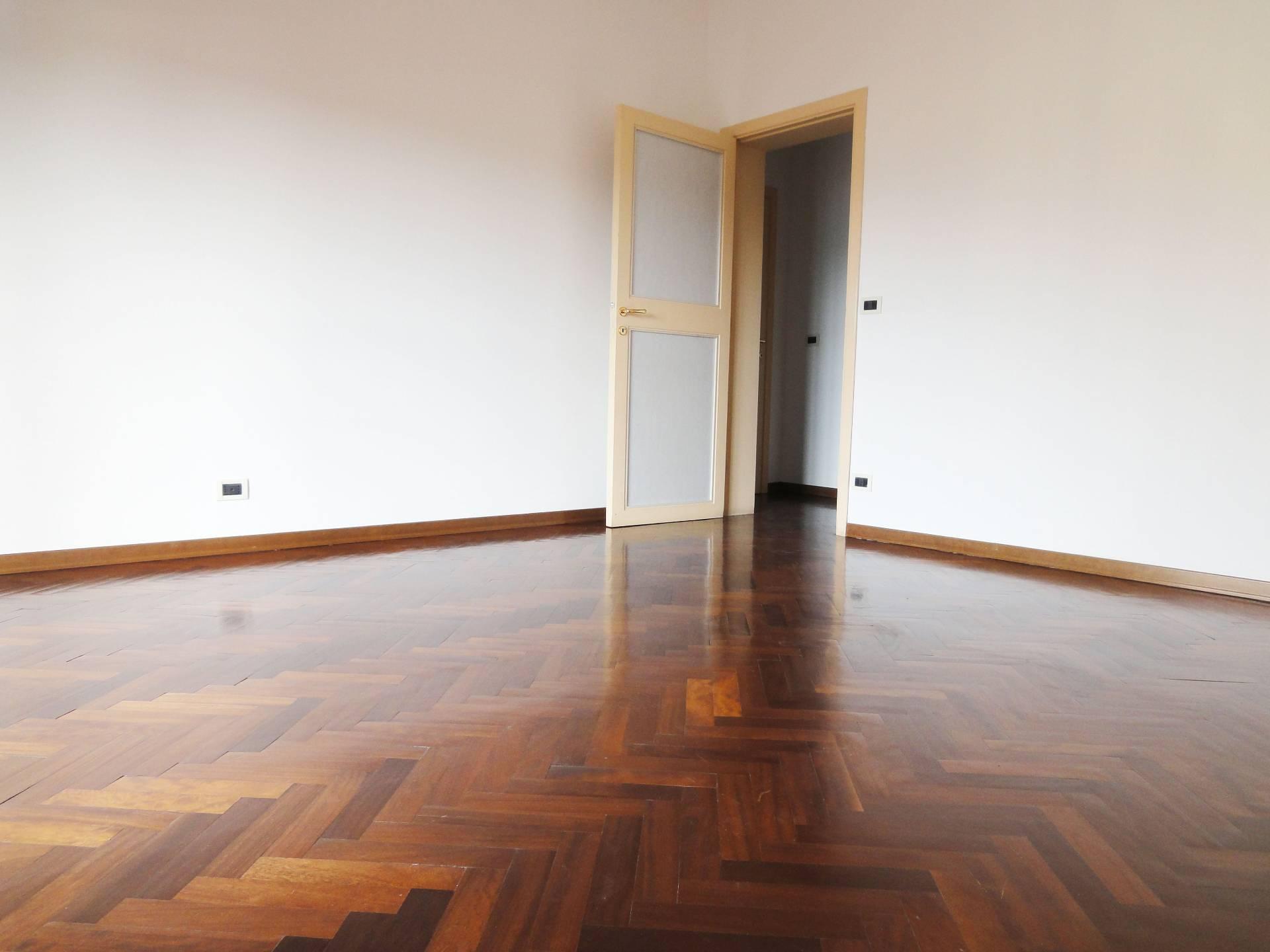 Appartamento in affitto a Pontedera, 4 locali, zona Località: Bellaria/V.leIVNovembre, prezzo € 570   CambioCasa.it
