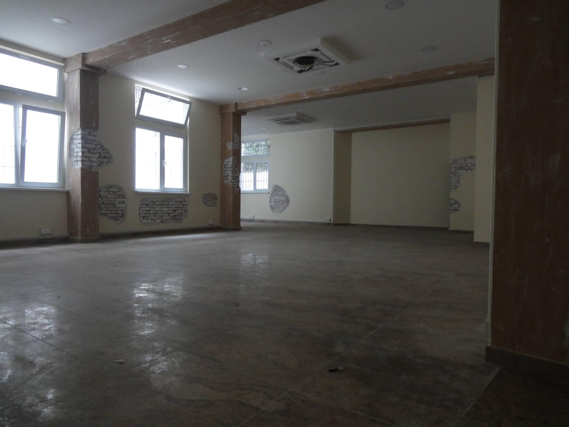 Attività / Licenza in affitto a Pontedera, 9999 locali, zona Località: Centro, prezzo € 1.300 | CambioCasa.it
