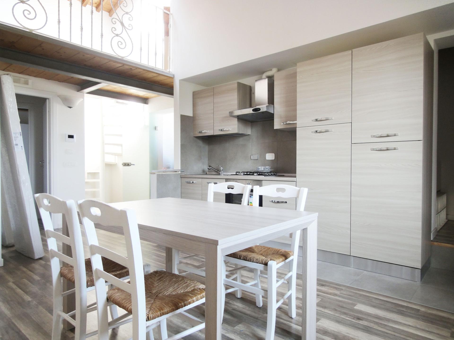 Appartamento in affitto a Pontedera, 4 locali, prezzo € 700   CambioCasa.it
