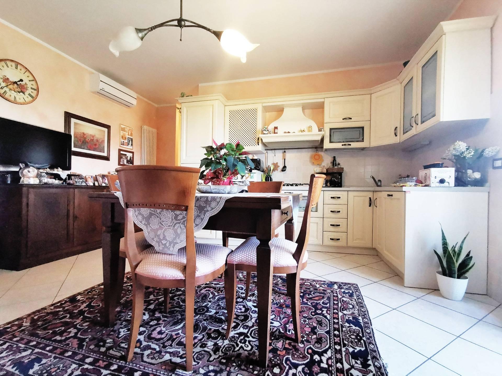 Appartamento in vendita a Santa Maria a Monte, 3 locali, zona Località: Montecalvoliinbasso, prezzo € 105.000 | CambioCasa.it