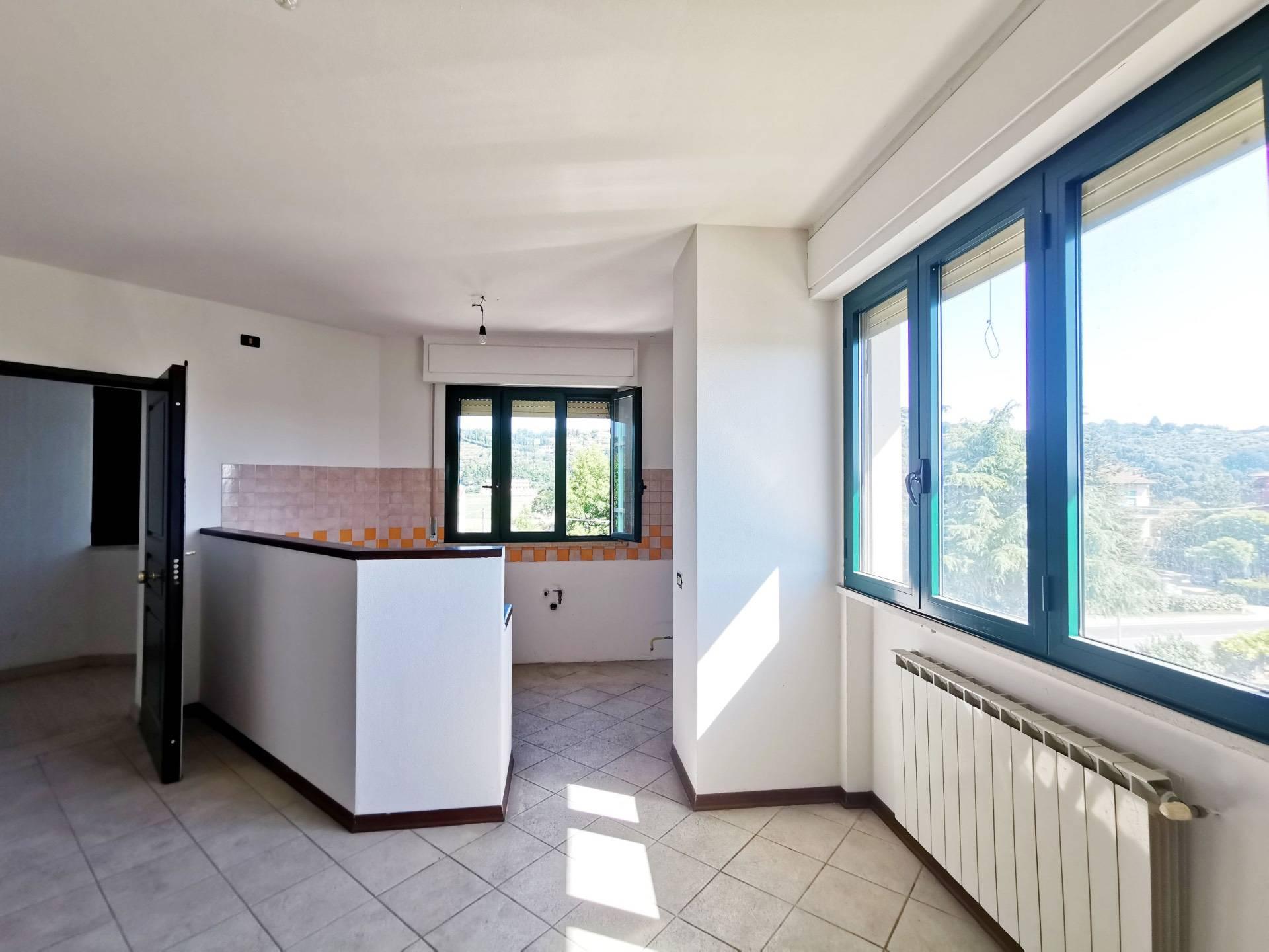 Appartamento in vendita a Santa Maria a Monte, 3 locali, zona Località: Montecalvoliinbasso, prezzo € 85.000 | CambioCasa.it