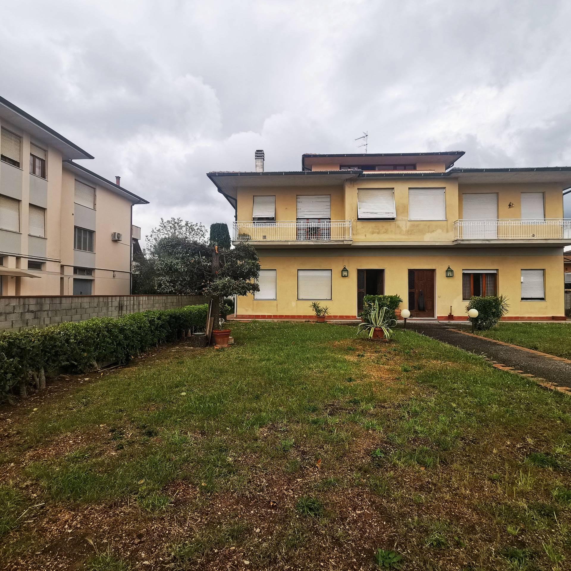 Appartamento in vendita a Ponsacco, 7 locali, zona Località: Lemelorie, prezzo € 178.000   PortaleAgenzieImmobiliari.it