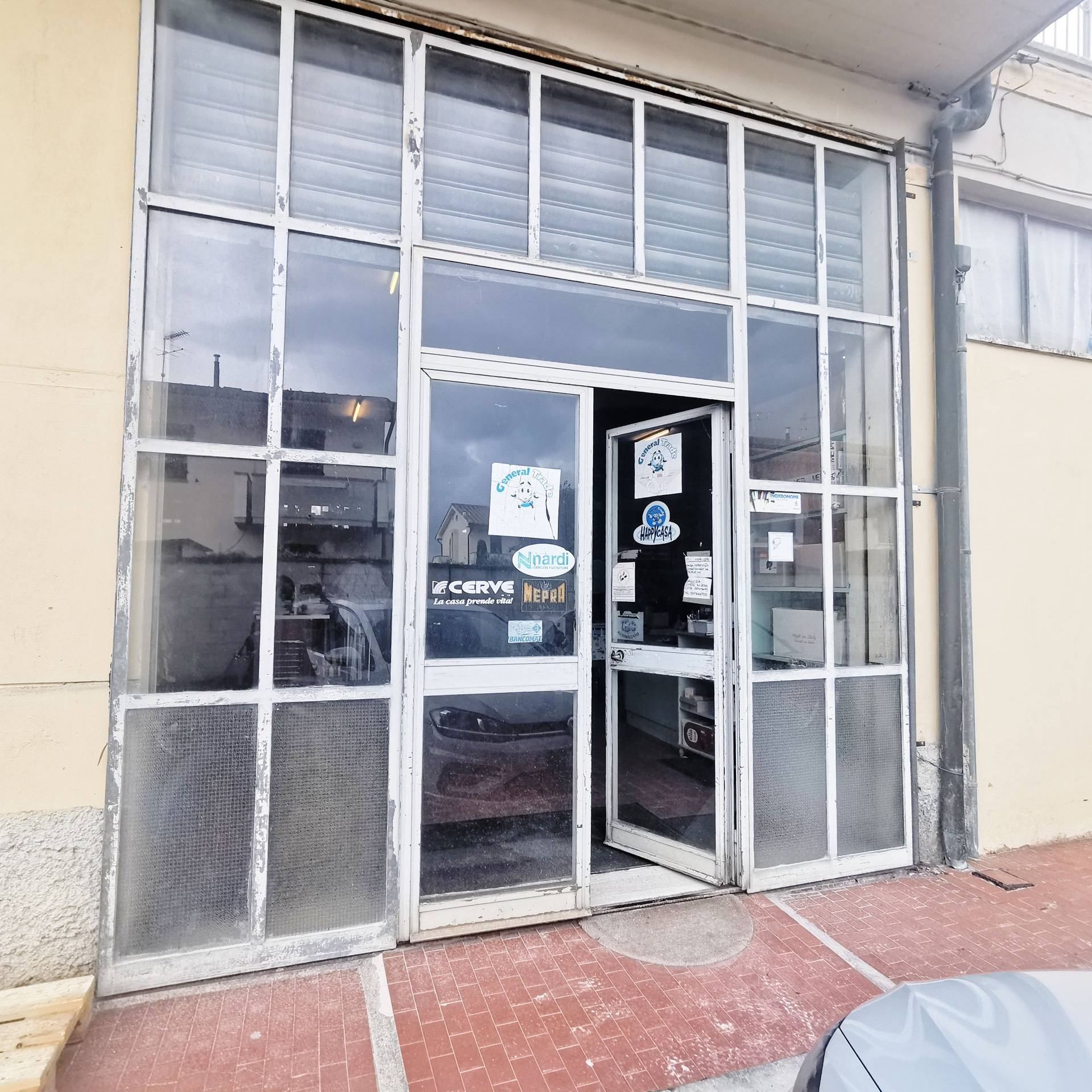Negozio / Locale in vendita a Ponsacco, 9999 locali, zona Località: Lemelorie, prezzo € 145.000 | PortaleAgenzieImmobiliari.it