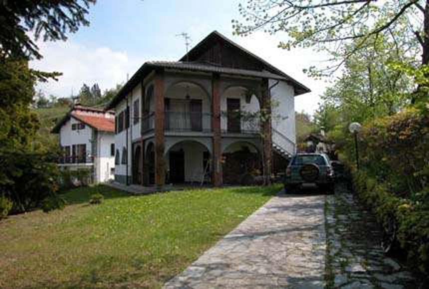 Foto 1 di Villa strada per Pontinvrea, Mioglia