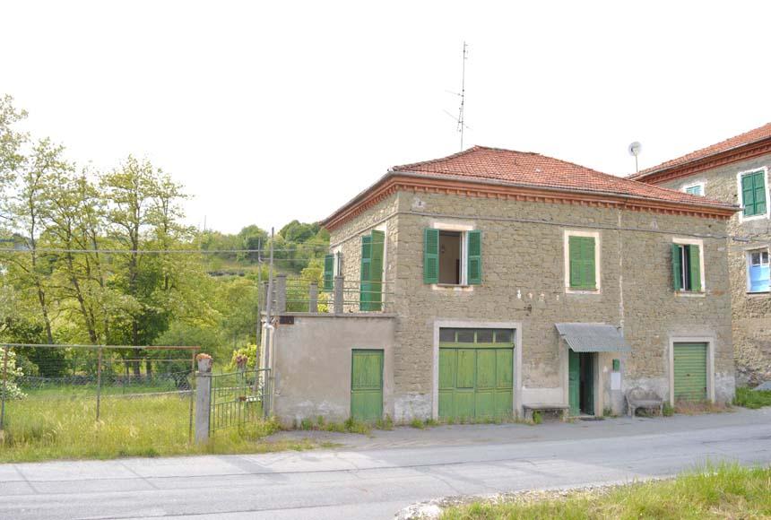 Foto 1 di Casa indipendente Via Acqui, 22, Mioglia