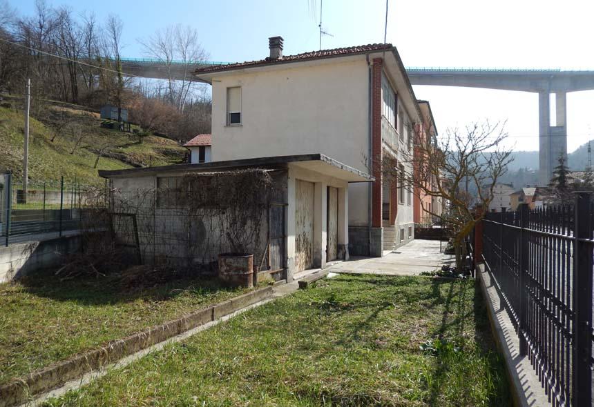 Foto 1 di Casa indipendente via marconi, Millesimo