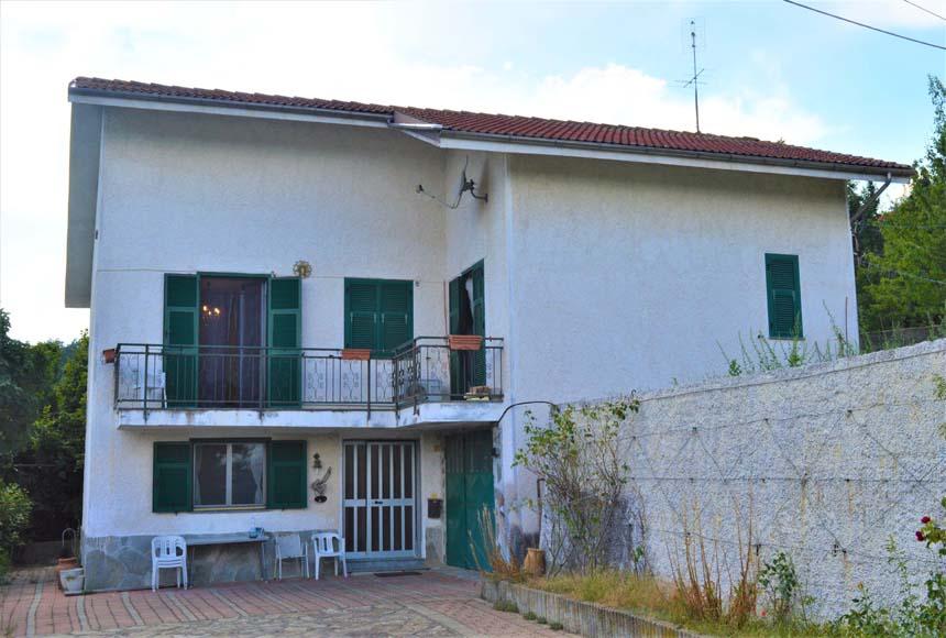 Foto 1 di Casa indipendente Val San Ry, Spigno Monferrato
