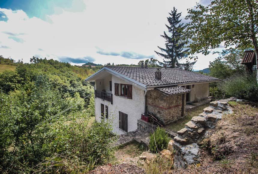 Foto 1 di Casa indipendente Santa Giulia/San Varezzo, Dego