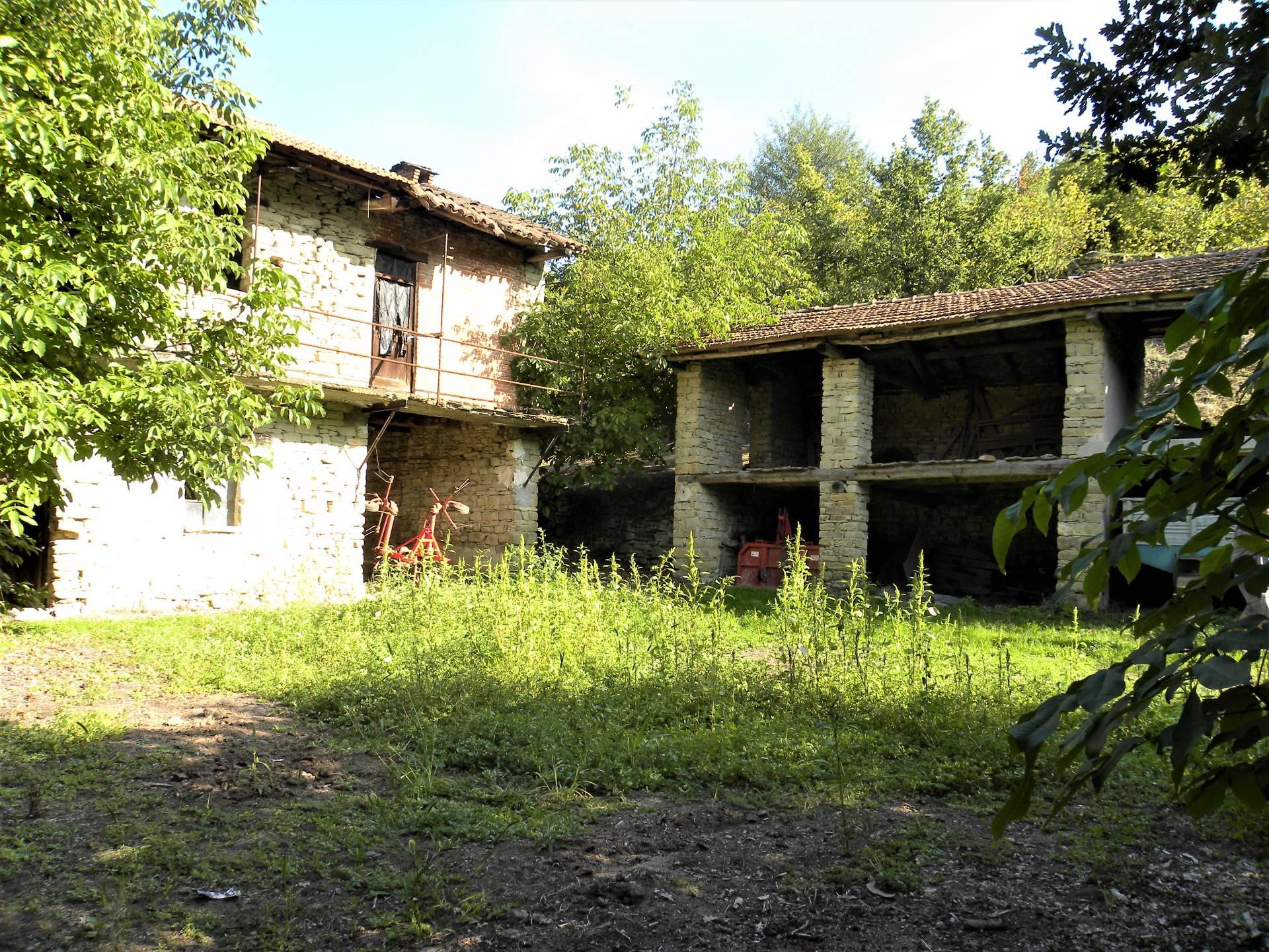 Foto 1 di Rustico / Casale Verso Bergolo - Strada castella, Cortemilia