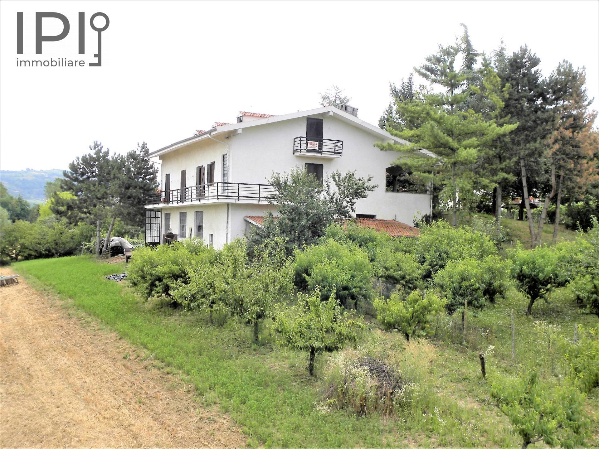 Foto 1 di Villa LOC. SAN DESIDERIO, Monastero Bormida