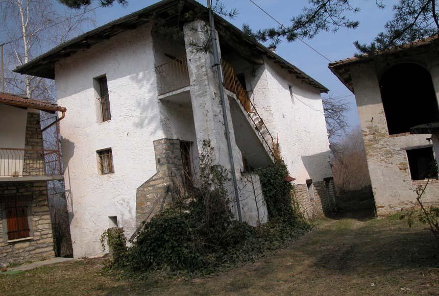 Casa in Vendita a Cravanzana