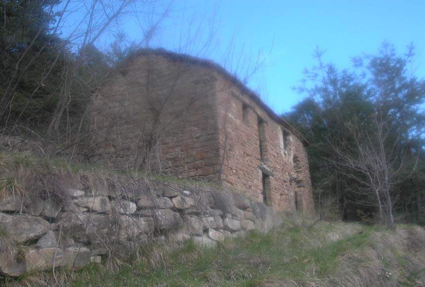 Country House (rustic) for Sale to Gorzegno