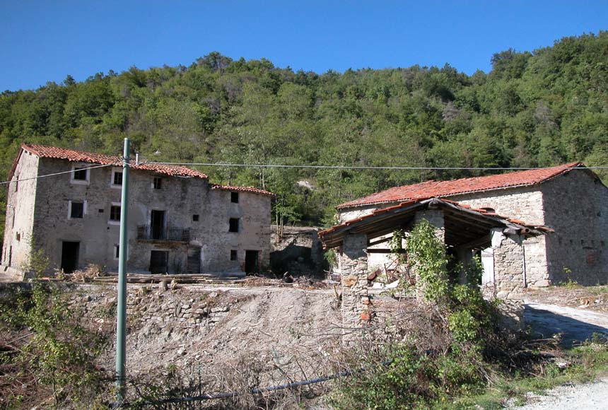 Casa Rustica in Vendita a Roccavignale