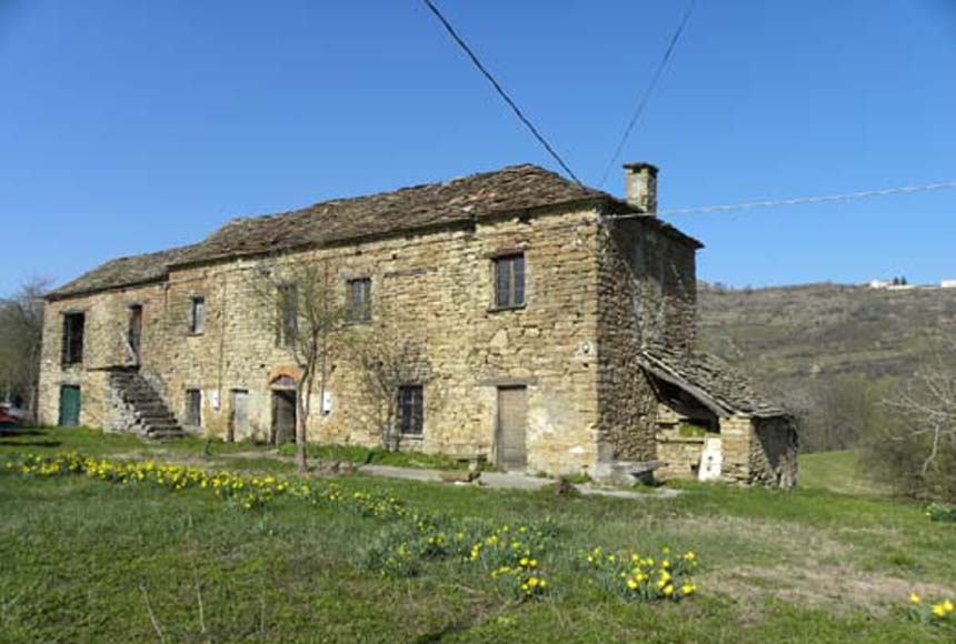 Country House (rustic) for Sale to Olmo Gentile