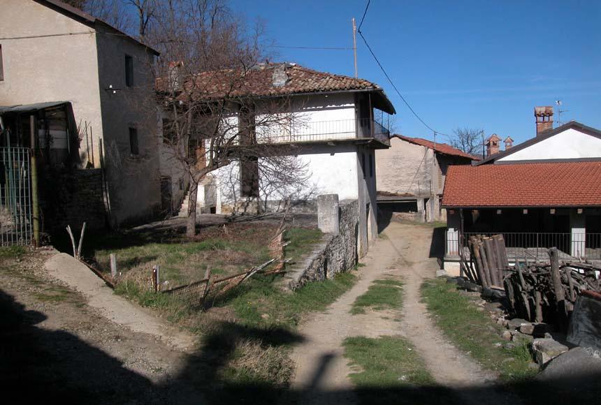 Cascina / Podere - Semindipendente in Vendita a Borgomale