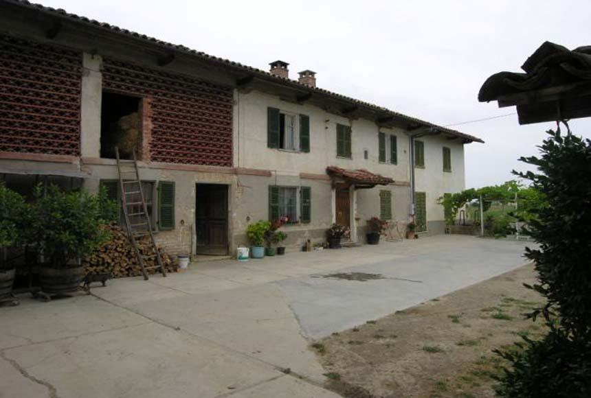 Cascina / Podere in Vendita a San Marzano Oliveto