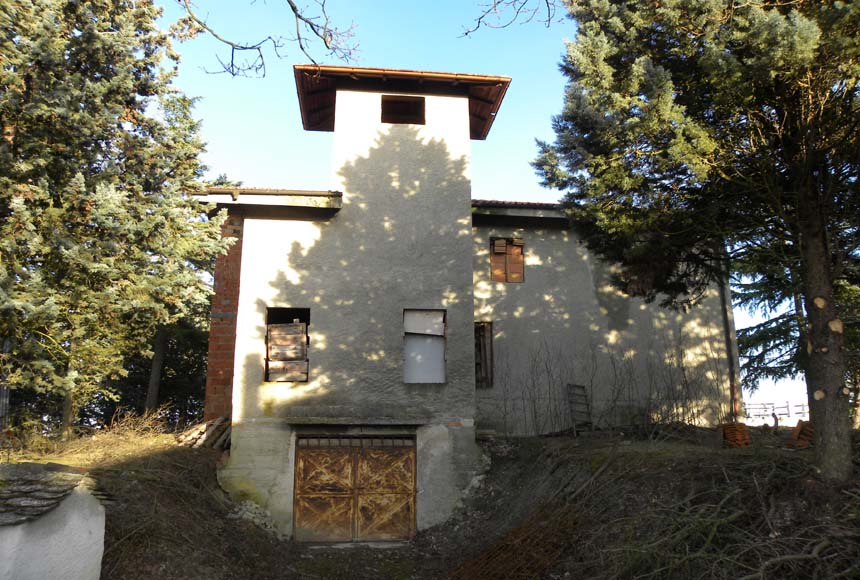 Casa in Vendita a Merana
