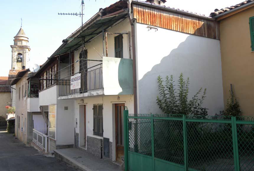 Haus - Halb Frei Stehend in Kauf bis Cairo Montenotte