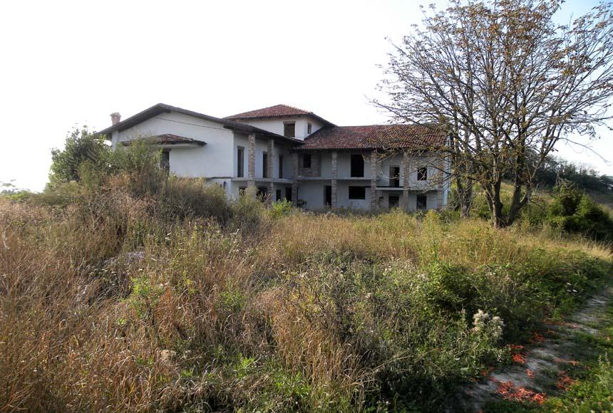 Farmhouse / Estate for Sale to Murazzano