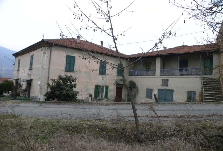 Casa Rustica in Vendita a Montechiaro d'Acqui