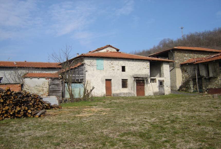 Casa Rustica - Semindipendente in Vendita a Dego