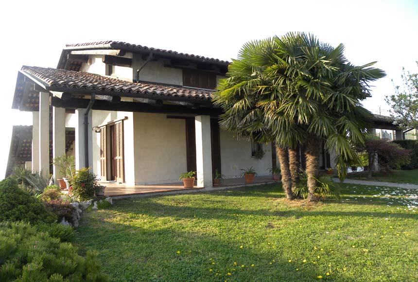 Villa / Villetta in Vendita a Santo Stefano Belbo